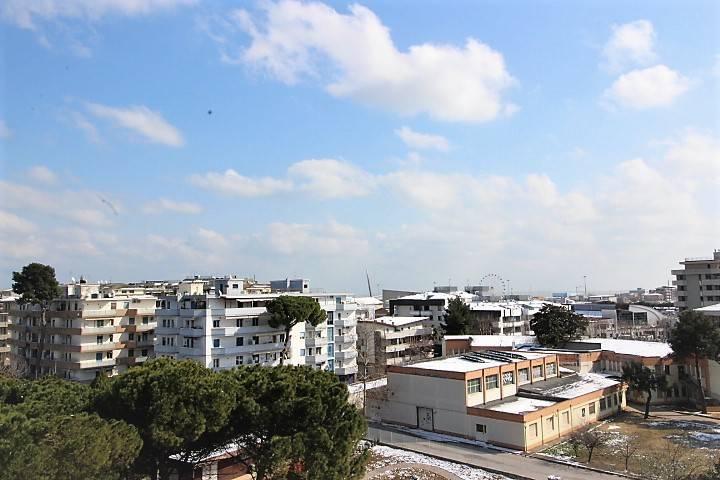 Appartamento quadrilocale in affitto a Pescara (PE)