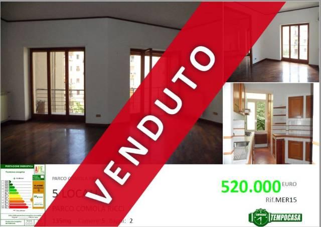 Appartamento in vendita 6 vani 135 mq.  via Privata Comola Ricci 9 Napoli