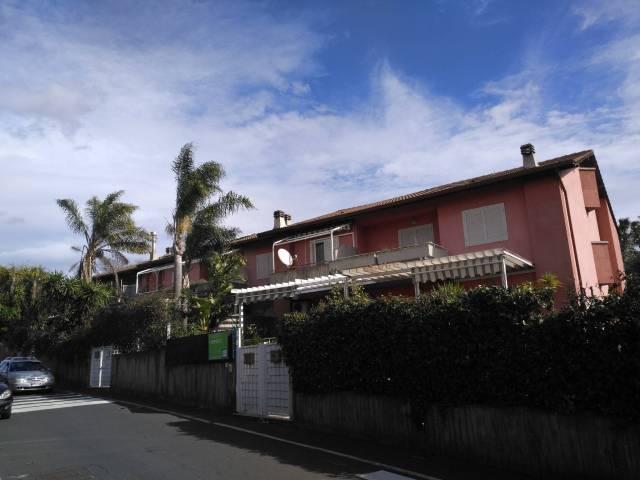 Villetta in Vendita a San Giovanni La Punta Centro: 5 locali, 240 mq