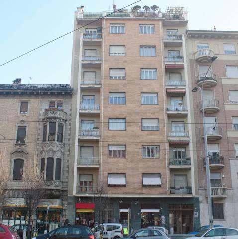 Negozio-locale in Vendita a Torino Semicentro Est: 2 locali, 45 mq