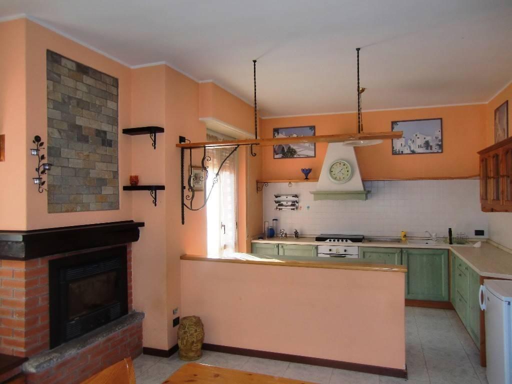 Appartamento in ottime condizioni in vendita Rif. 5557598