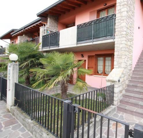 Appartamento in ottime condizioni parzialmente arredato in vendita Rif. 5542813