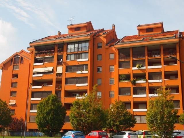 Appartamento in vendita 3 vani 130 mq.  via Ettore Bugatti 13 Milano