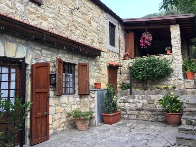 Rustico / Casale in ottime condizioni in vendita Rif. 5549474