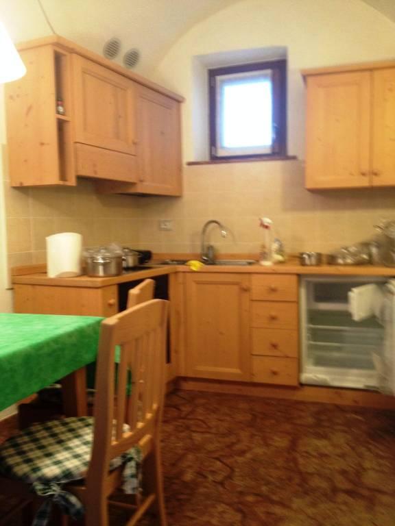 Appartamento in ottime condizioni arredato in vendita Rif. 5629365