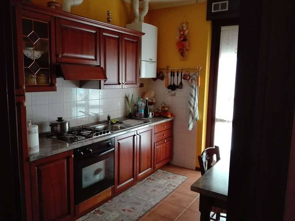 Appartamento in ottime condizioni in vendita Rif. 7557908