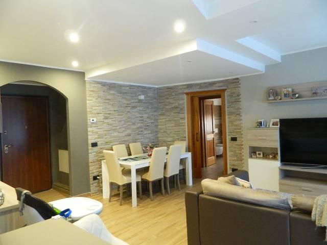 Appartamento in ottime condizioni arredato in vendita Rif. 5629556