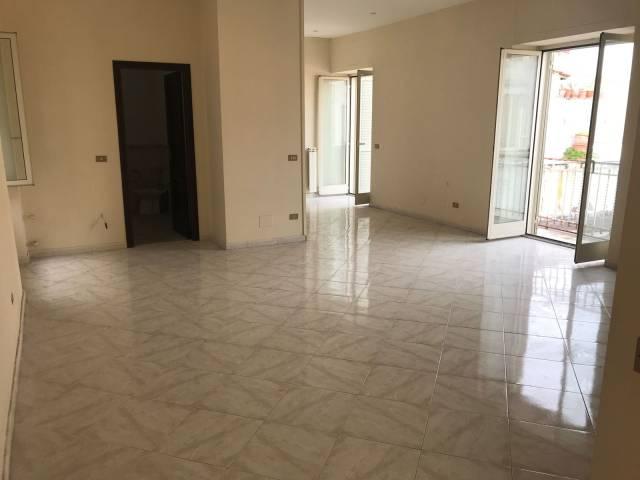 Appartamento in vendita 4 vani 140 mq.  via San Mandato 61 Napoli