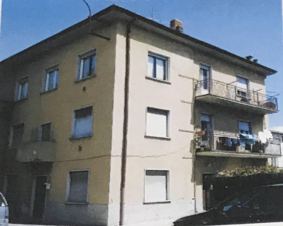 Appartamento in buone condizioni in vendita Rif. 7552590