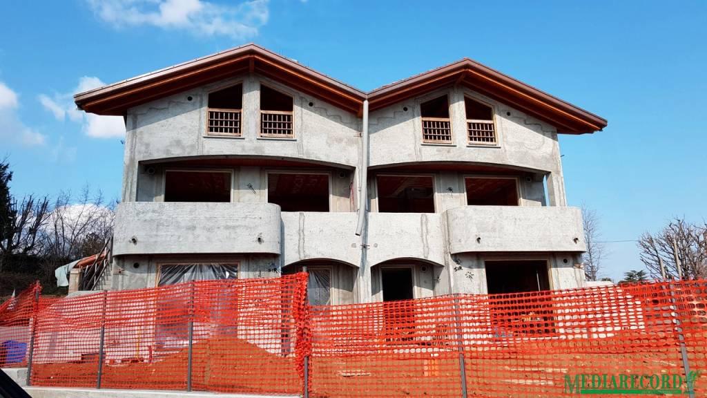 Appartamento in vendita a Appiano Gentile, 3 locali, prezzo € 249.000 | CambioCasa.it