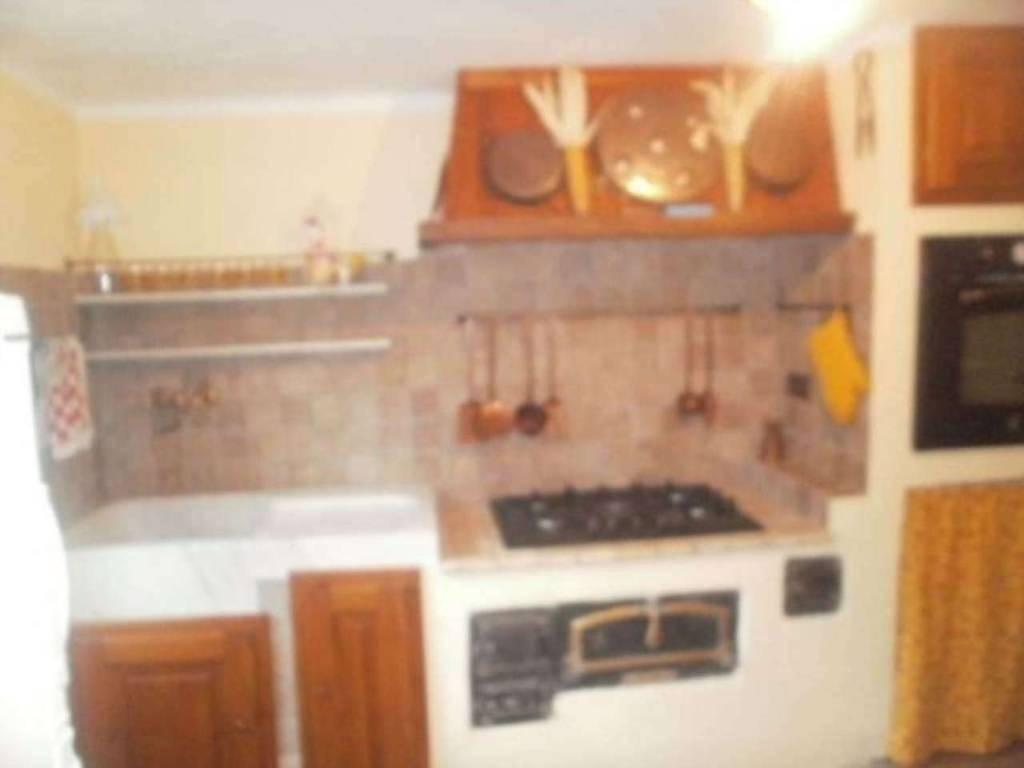 Appartamento in ottime condizioni arredato in vendita Rif. 8607213