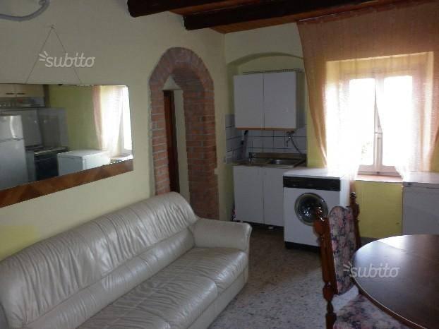 Appartamento in buone condizioni arredato in vendita Rif. 7857029