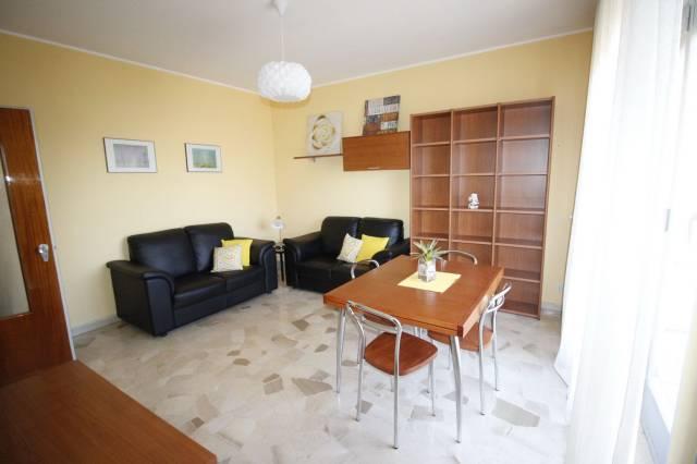 Appartamento in buone condizioni arredato in affitto Rif. 5641229