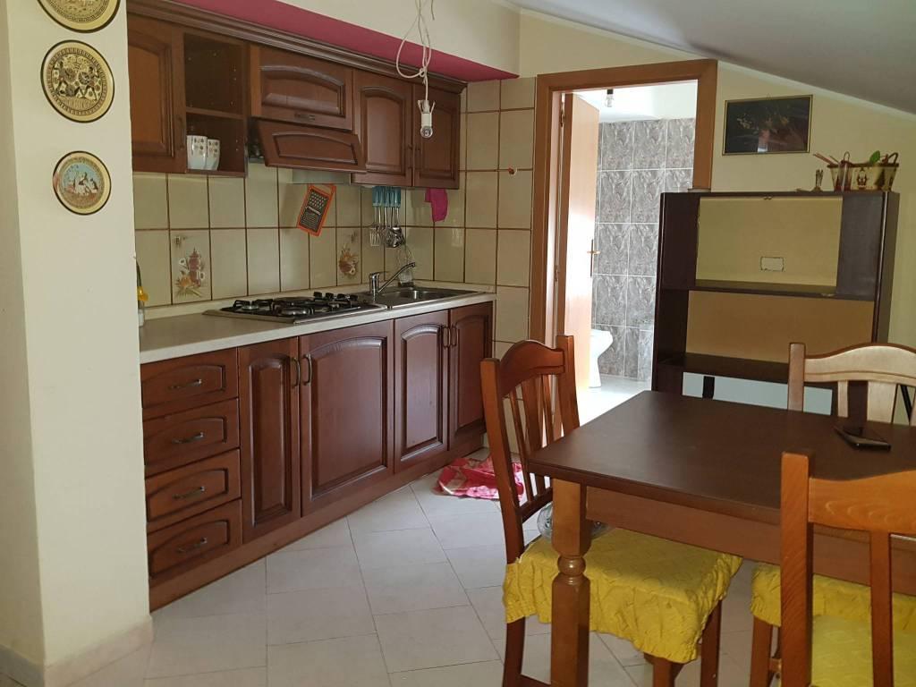 Attico / Mansarda in ottime condizioni arredato in affitto Rif. 5643945