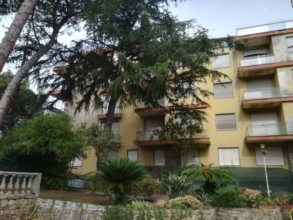 Stabile / Palazzo da ristrutturare in vendita Rif. 4218628