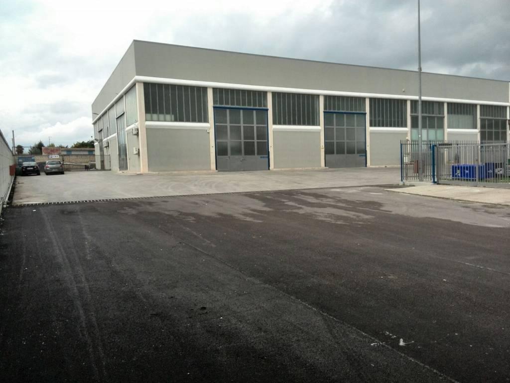 Capannoni a Foggia zona Via Ascoli - Circonvallazione Rif. 9244652