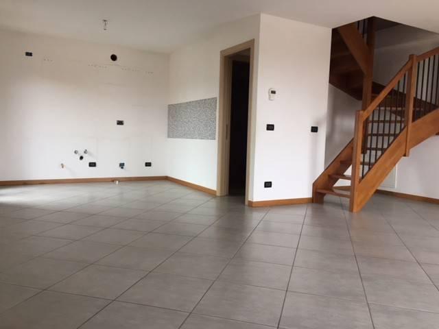 Appartamento in vendita a San Giovanni al Natisone, 3 locali, prezzo € 130.000   CambioCasa.it