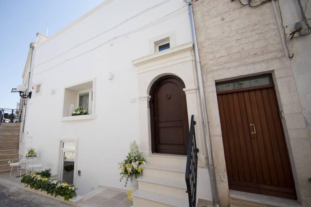 Appartamento in ottime condizioni arredato in vendita Rif. 5656629