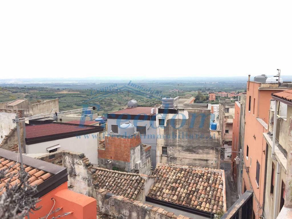 Appartamento in Vendita a Motta Sant'Anastasia Centro:  5 locali, 105 mq  - Foto 1