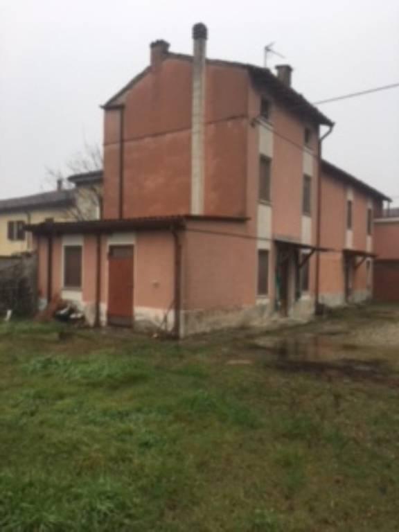 Villa in vendita a Goito, 5 locali, prezzo € 69.000 | CambioCasa.it