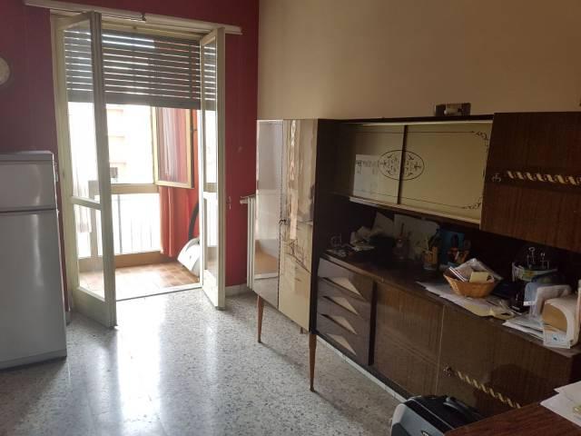 Appartamento in vendita a Bra, 4 locali, prezzo € 95.000   CambioCasa.it