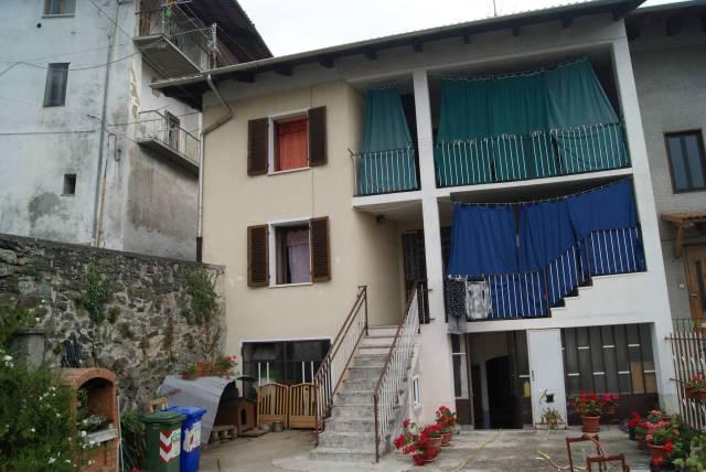 Casa indipendente in Vendita a Alice Superiore: 5 locali, 146 mq