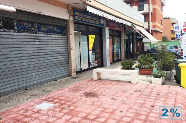Locale in vendita via Materdomini