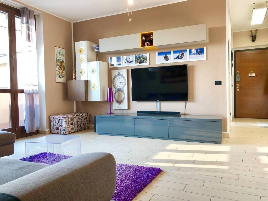 Appartamento in ottime condizioni in vendita Rif. 5684347