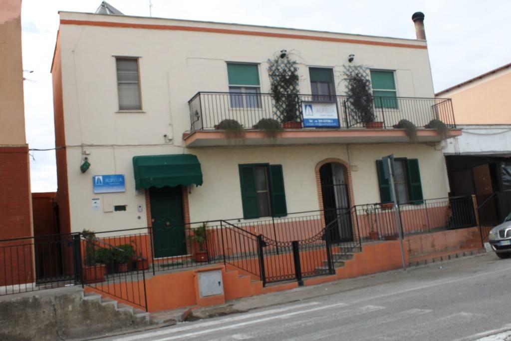 Appartamento in ottime condizioni in vendita Rif. 7766994