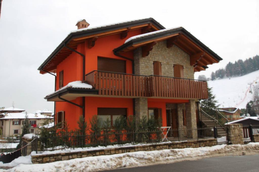 Appartamento in buone condizioni arredato in affitto Rif. 5667553