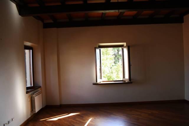 Appartamento in ottime condizioni in affitto Rif. 5669718