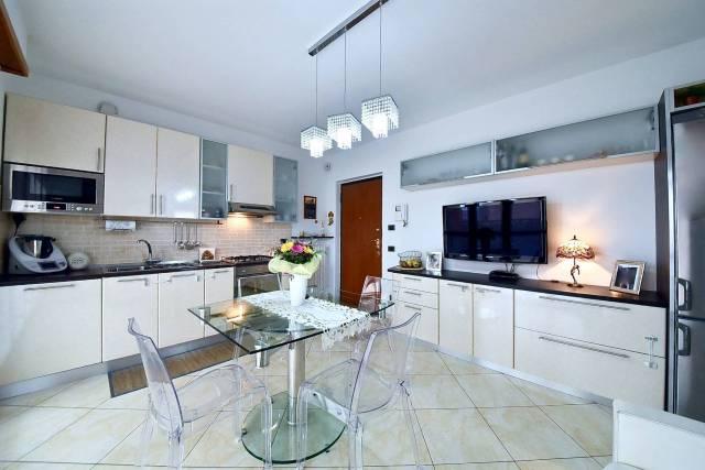 Appartamento in Vendita a Limbiate: 3 locali, 70 mq