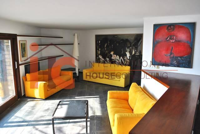 Appartamento in buone condizioni arredato in affitto Rif. 5669865