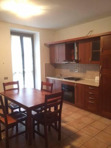 Appartamento in buone condizioni arredato in affitto Rif. 5574444