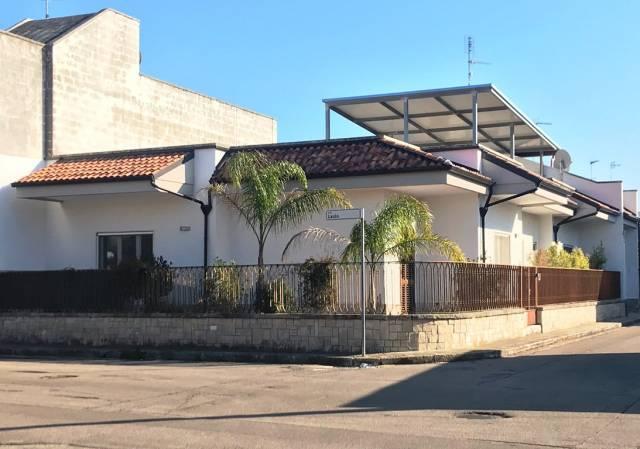 Villa in vendita a Calimera, 4 locali, prezzo € 185.000 | CambioCasa.it
