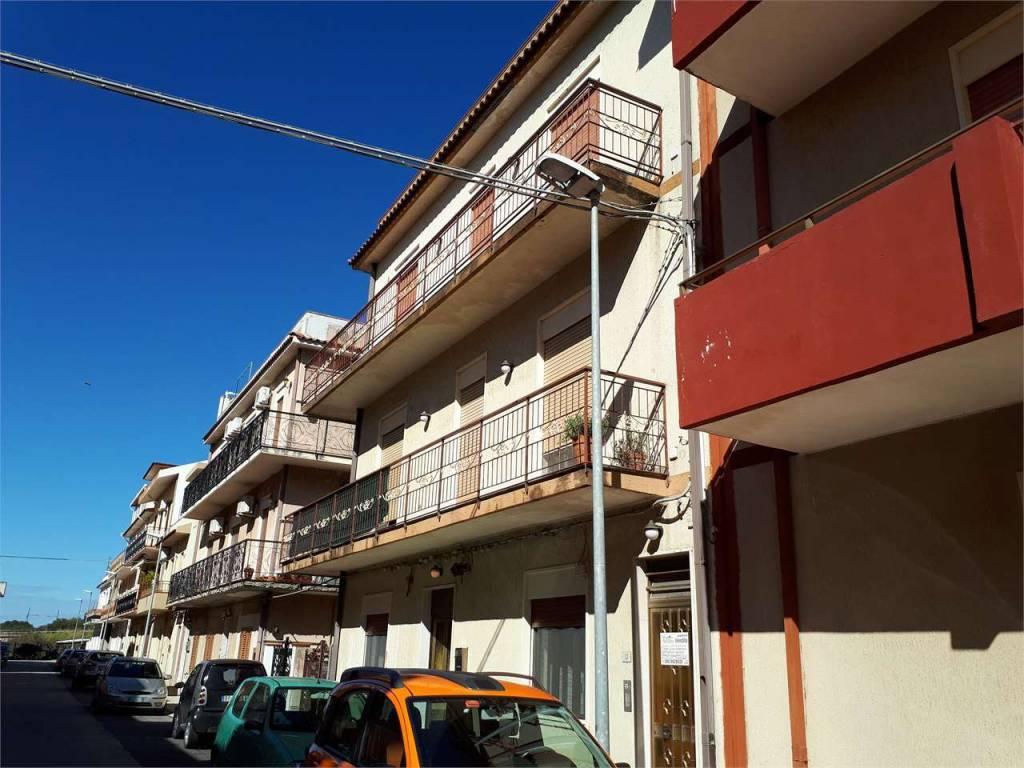 Appartamento in buone condizioni in vendita Rif. 9153570