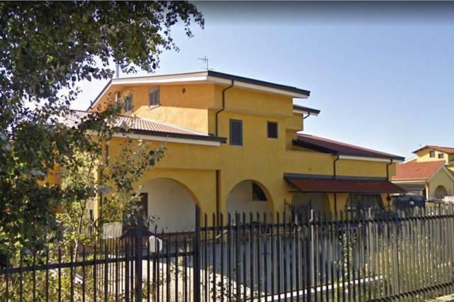 Appartamento in ottime condizioni in vendita Rif. 5126924