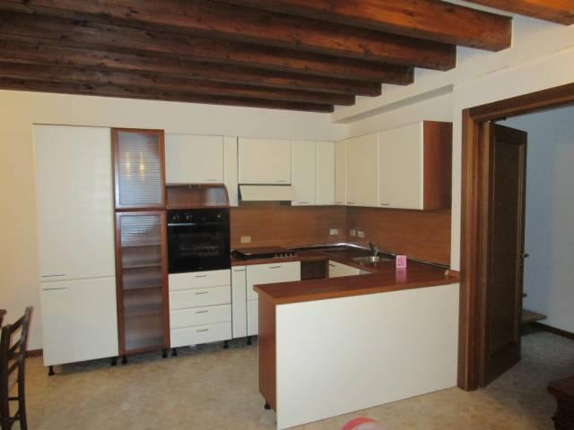 Appartamento in affitto a Borgomanero, 3 locali, prezzo € 450   CambioCasa.it