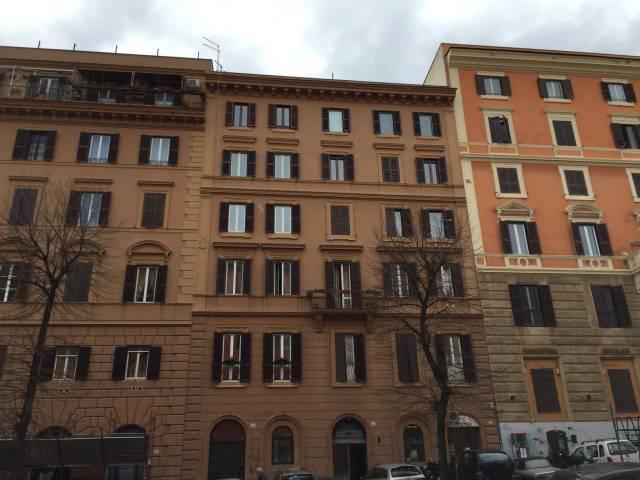 Appartamento in ottime condizioni parzialmente arredato in vendita Rif. 5576081