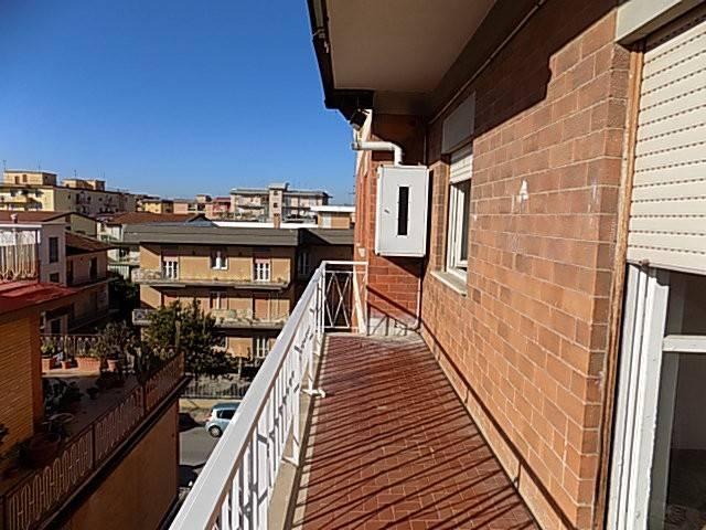 Appartamento in buone condizioni in affitto Rif. 5687399