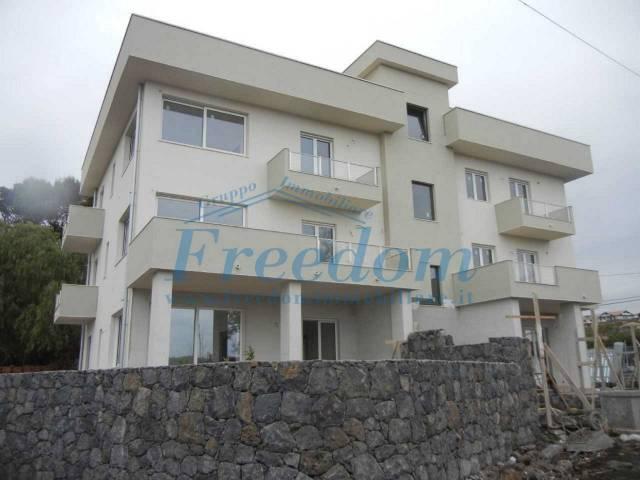 Appartamento in Vendita a Gravina Di Catania Semicentro: 3 locali, 93 mq