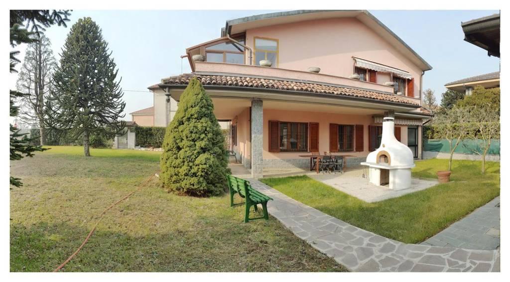 Appartamento in vendita a Fenegrò, 3 locali, prezzo € 179.000 | PortaleAgenzieImmobiliari.it