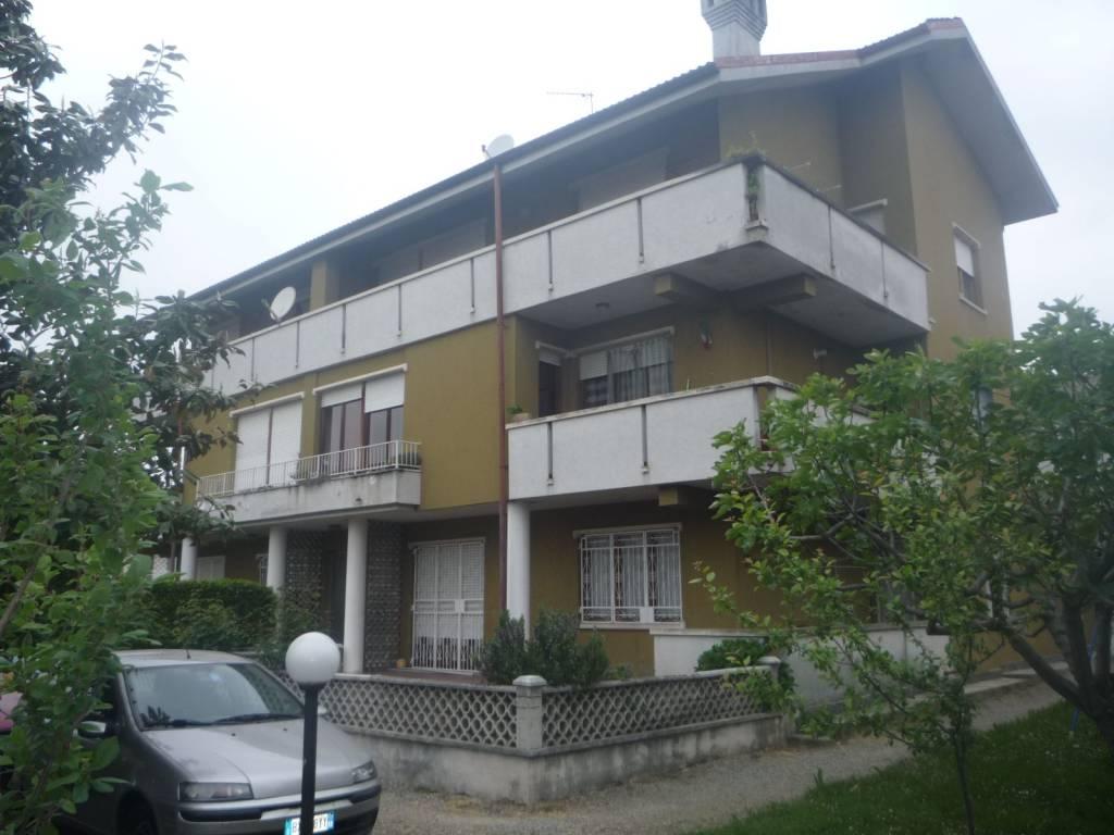 Appartamento in vendita a Caluso, 3 locali, prezzo € 80.000 | CambioCasa.it