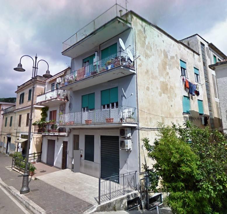 Appartamento da ristrutturare in vendita Rif. 8355822
