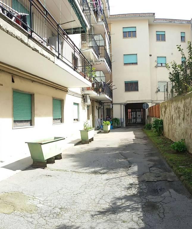 Appartamento in buone condizioni in vendita Rif. 7346555