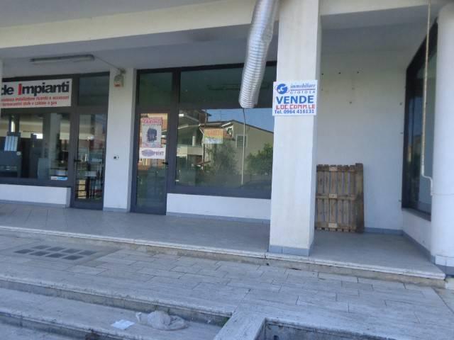 Negozio / Locale in vendita a Gioiosa Ionica, 1 locali, prezzo € 80.000   CambioCasa.it