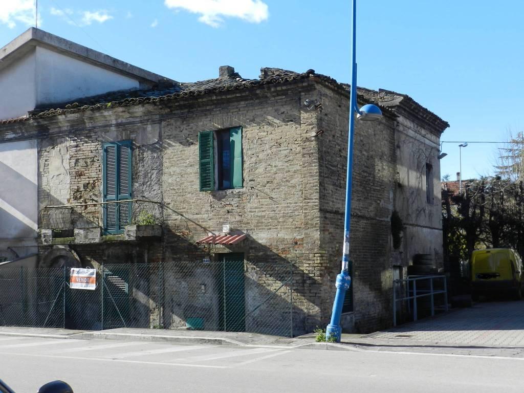 Stabile / Palazzo in vendita Rif. 5700561
