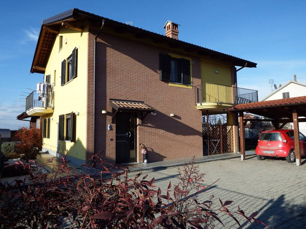 Foto 1 di Villa via Saluzzo, Scarnafigi