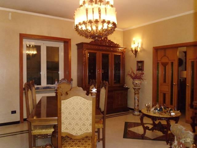 Appartamento in buone condizioni in affitto Rif. 5707930