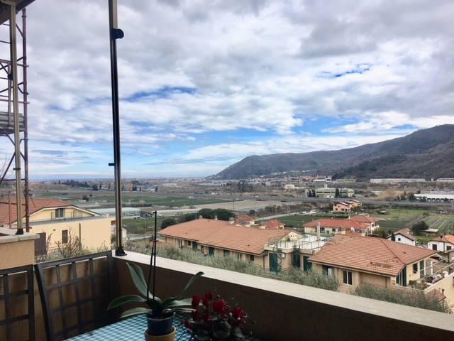 Foto 1 di Bilocale Frazione Coasco-Marina Verde, Villanova D'albenga